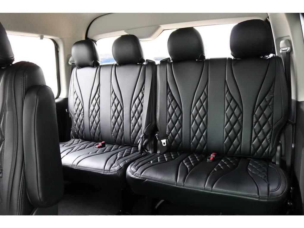 4列目は4人掛けです。 | トヨタ ハイエース 2.7 GL ロング ミドルルーフ 4WD TSS付
