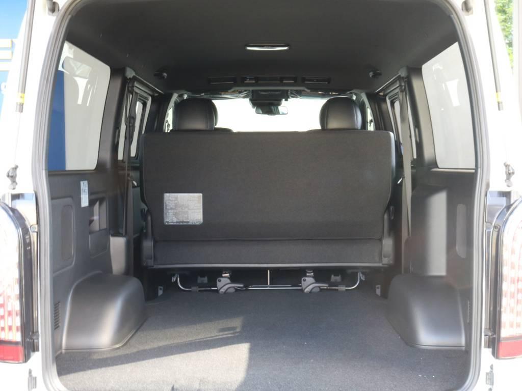 室内広々としています。   トヨタ ハイエースバン 2.8 スーパーGL ダークプライムⅡ ロングボディ ディーゼルターボ 4WD 寒冷地仕様 小窓付き