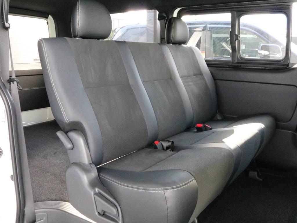 2列目も広いですよ!!   トヨタ ハイエースバン 2.8 スーパーGL ダークプライムⅡ ロングボディ ディーゼルターボ 4WD 寒冷地仕様 小窓付き