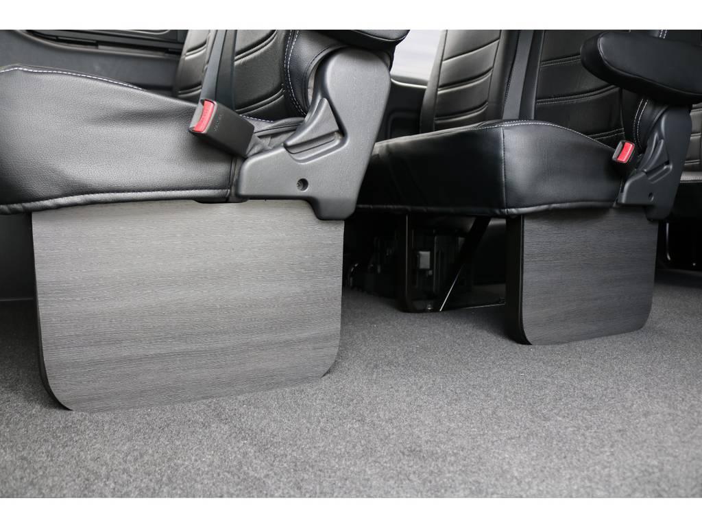 全席FLEXオリジナル黒革調シートカバー装着済!!高級感がありますよ!