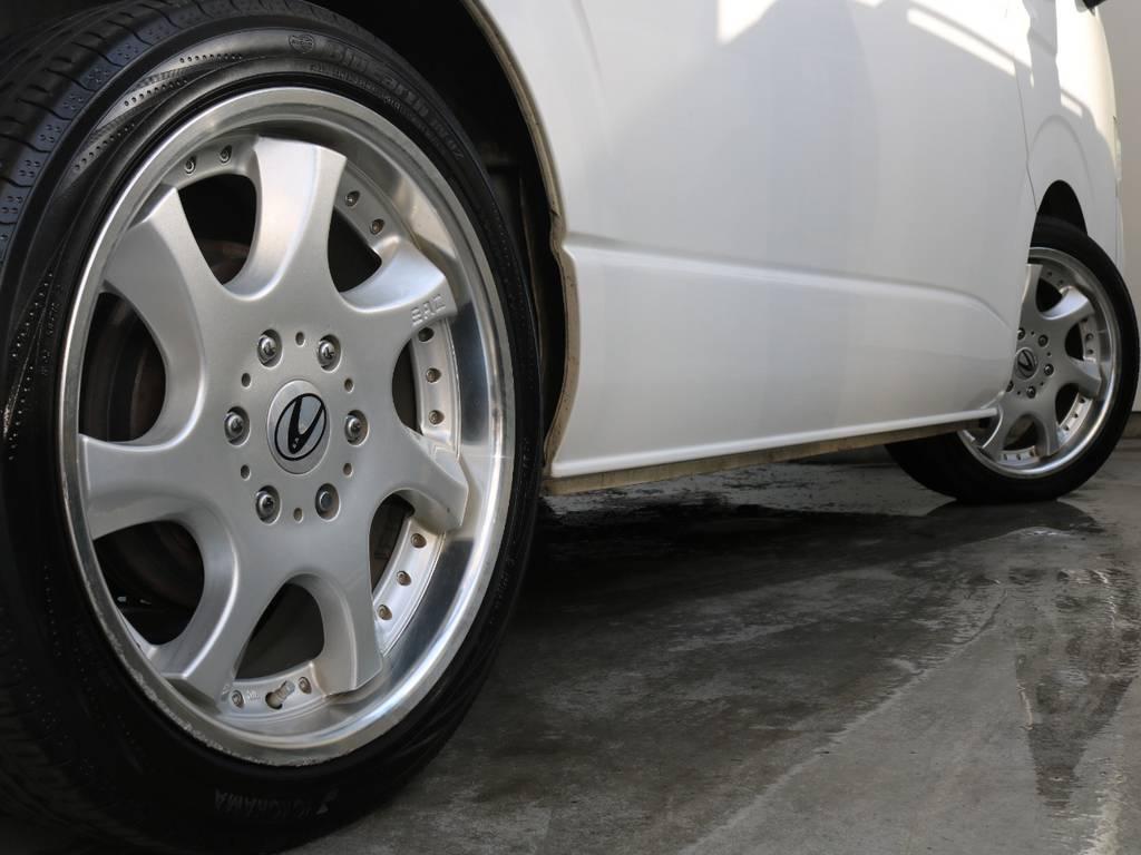 タイヤはYOKOHAMA225/45R19です!! | トヨタ ハイエース 2.7 GL ロング ミドルルーフ ワゴンGL