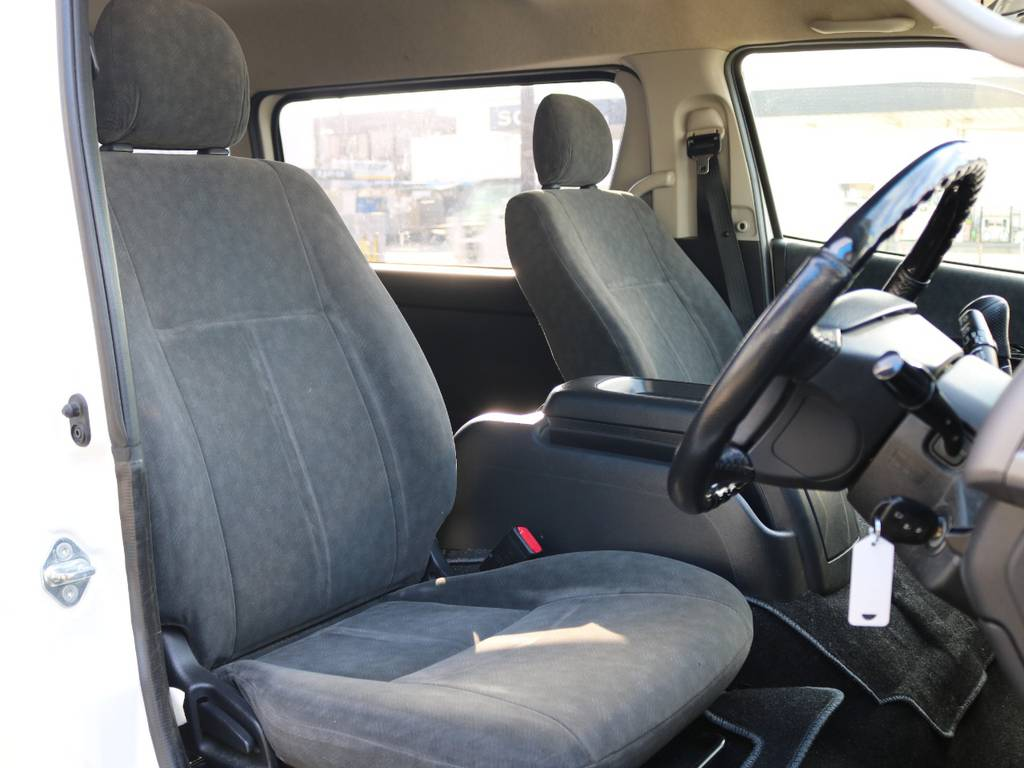 運転席のドアを開けた状態です!! | トヨタ ハイエース 2.7 GL ロング ミドルルーフ ワゴンGL