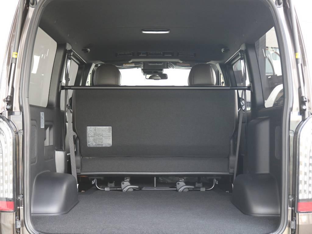 バックドアを空けると広大な荷室空間がうまれます!! | トヨタ ハイエースバン 2.8 スーパーGL 50TH アニバーサリー リミテッド ロングボディ ディーゼルターボ 4WD TRDバンパー、オフロード仕様