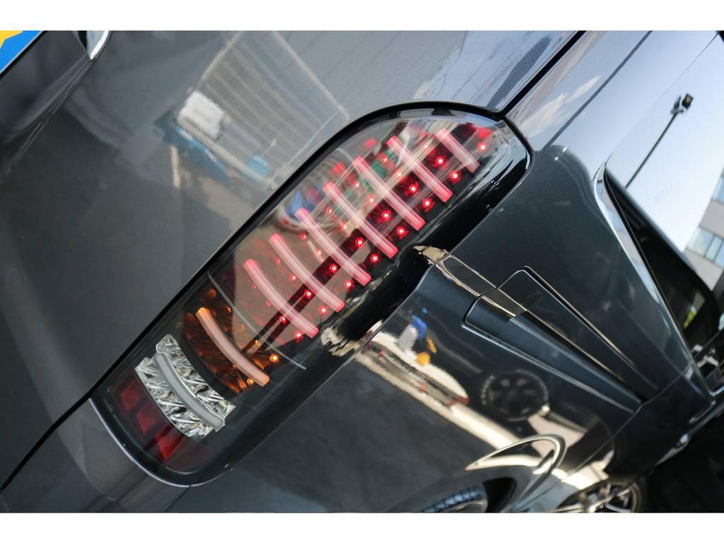 ヴァレンティ製LEDブラックテールランプです! | トヨタ レジアスエース 2.0 スーパーGL ロングボディ 下取り直販プライス