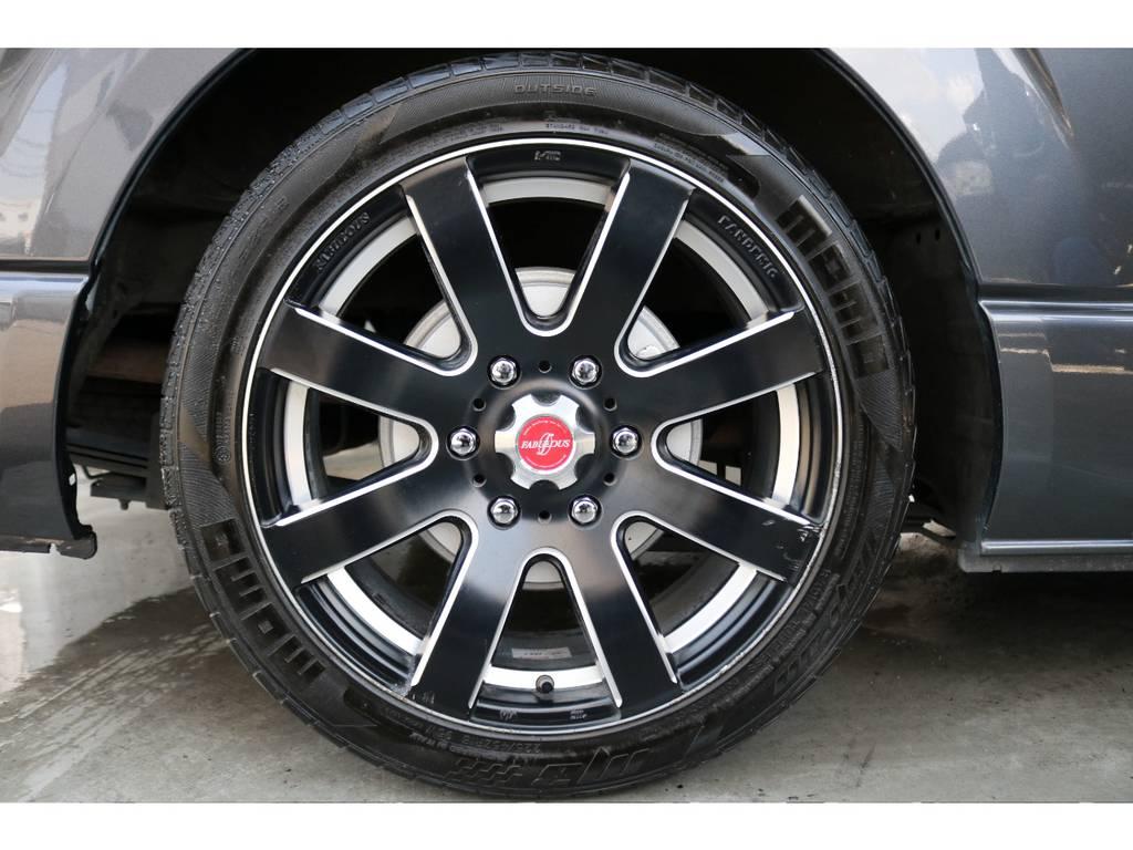 ファブレス18インチのアルミホイールとMOMOの18インチタイヤです。 | トヨタ レジアスエース 2.0 スーパーGL ロングボディ 下取り直販プライス