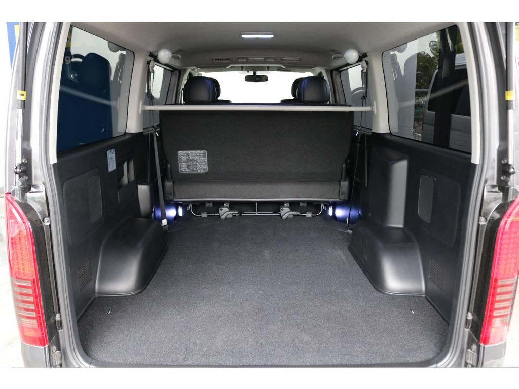 バックドアを空けると何でも載せれます!! | トヨタ ハイエースバン 3.0 スーパーGL ダークプライム ロングボディ ディーゼルターボ 4WD ナビ・ETC・Bカメラ付