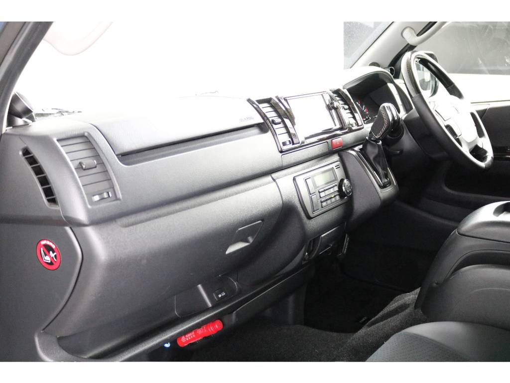 助手席エアバッグ&100Vコンセント付き!! | トヨタ ハイエースバン 3.0 スーパーGL ダークプライム ロングボディ ディーゼルターボ 4WD ナビ・ETC・Bカメラ付