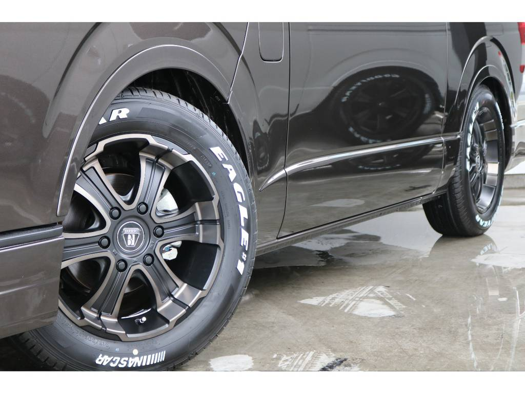 タイヤはグッドイヤーのナスカータイヤです!!
