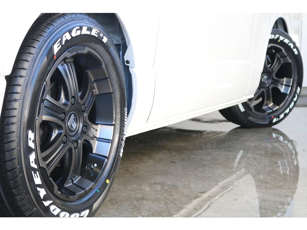 フレックスオリジナルディープス17インチアルミホイール&グッドイヤーナスカータイヤ!!ホイールの渋い色合いとホワイトレターが映えます!