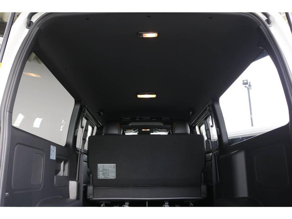 室内広々でたくさん荷物も積めちゃいます♪特別仕様車ならではのルーフ&ピラーがブラック仕様で高級感でてます!