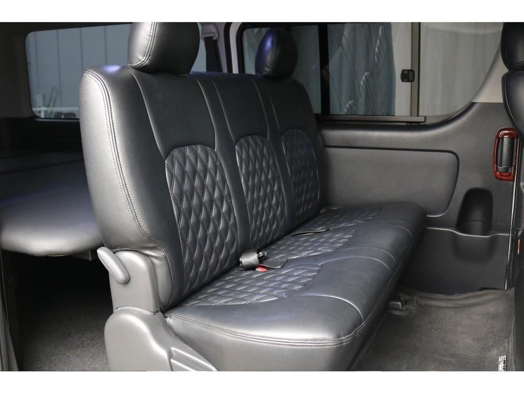 リアシートも前席と同じシートカバーで統一!内外装共にとても仕上がりが良い1台です!