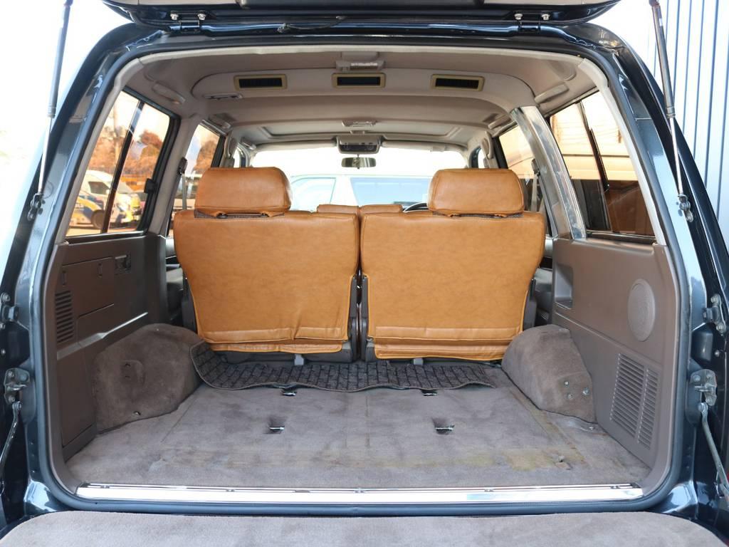 荷室も広々とお使いいただけます♪ | トヨタ ランドクルーザー80 4.5 VXリミテッド 4WD 丸目 60フェイス