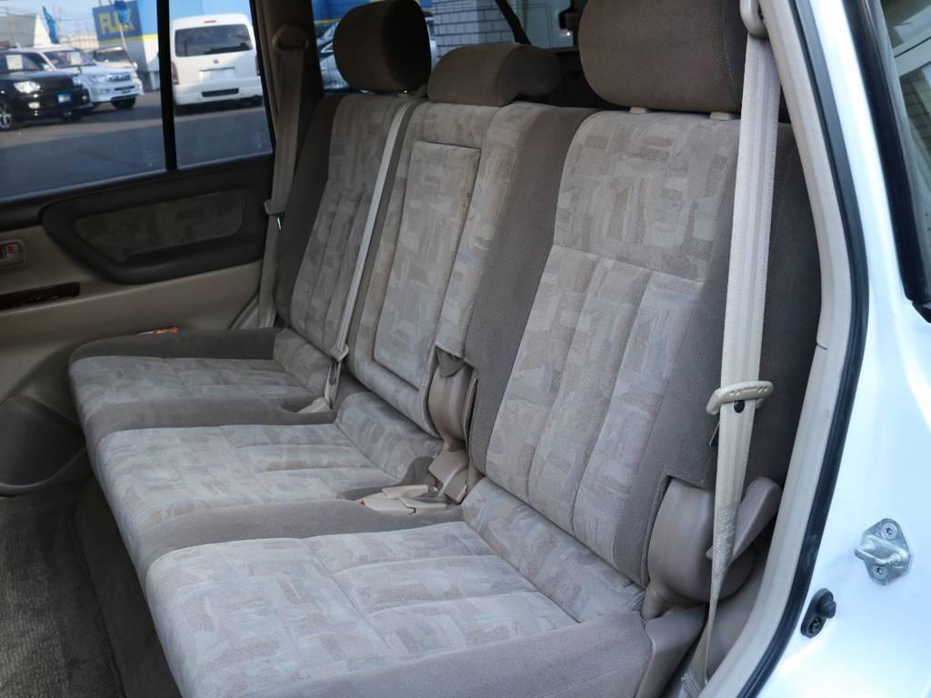 チャイルドシートの装着も可能ですので小さいお子様がいても大丈夫♪ | トヨタ ランドクルーザー100 4.7 VXリミテッド 4WD