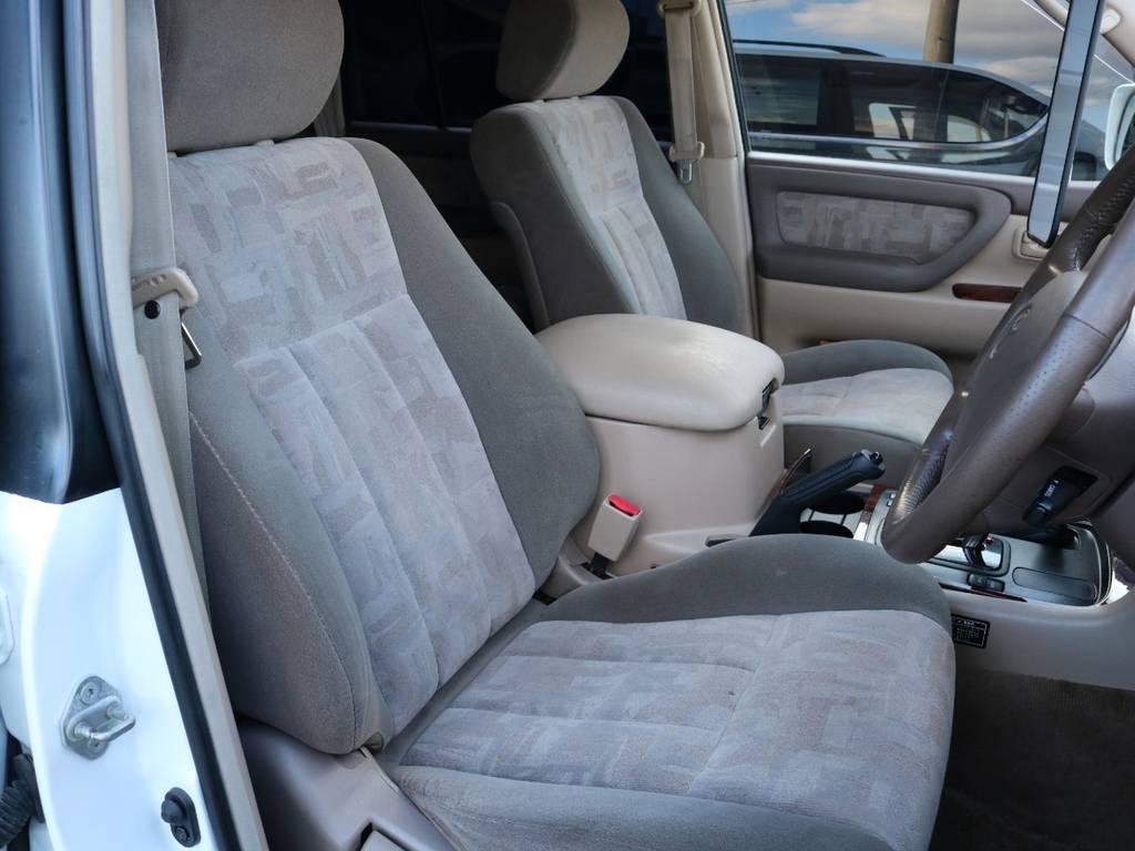 運転席です!100系は先代モデルまでと比較しても格段に乗り心地が良いです♪ | トヨタ ランドクルーザー100 4.7 VXリミテッド 4WD