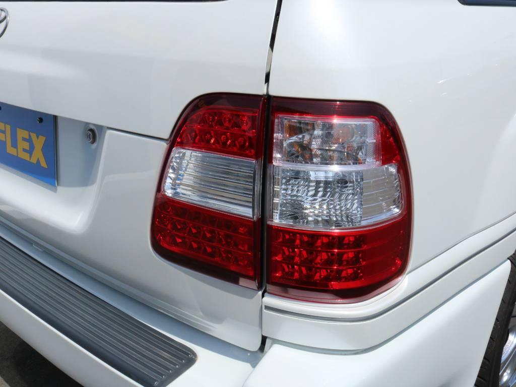 LEDテールに交換済み! | トヨタ ランドクルーザー100 4.7 VXリミテッド 4WD