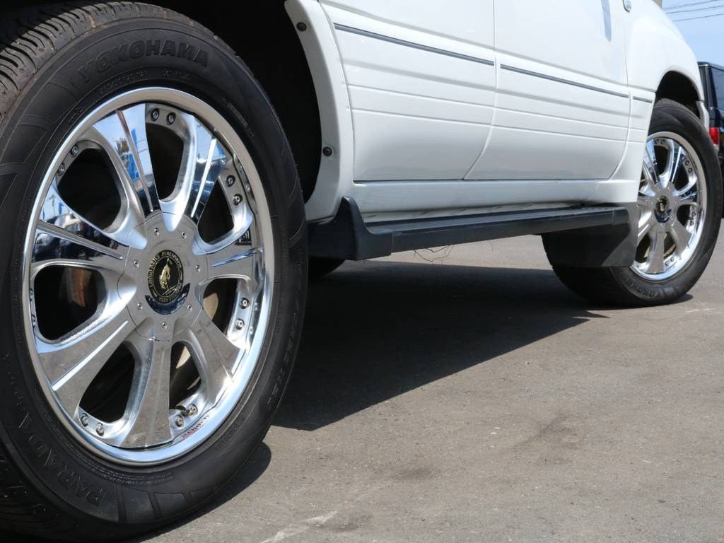 追加カスタムも承っておりますので、お気軽にお問い合わせ下さい!! | トヨタ ランドクルーザー100 4.7 VXリミテッド 4WD