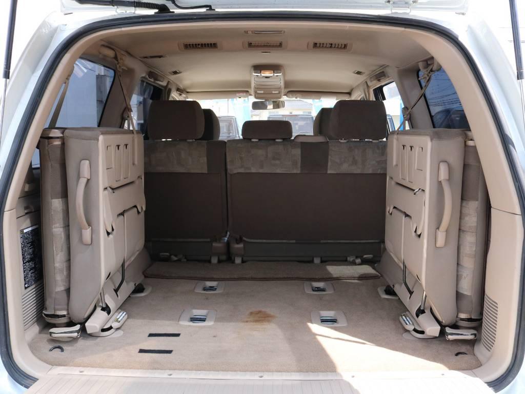 広々したラゲッジルーム!大容量でキャンプ用品なども沢山収容できます! | トヨタ ランドクルーザー100 4.7 VXリミテッド 4WD