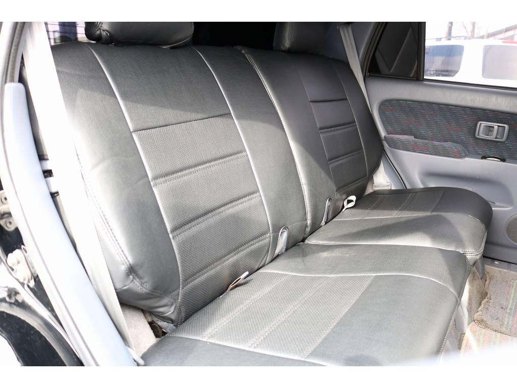 セカンドシートは前席側に折り畳みも可能です!   トヨタ ハイラックスサーフ 3.0 SSR-X リミテッド ディーゼルターボ 4WD ディーゼルターボ リフトUP