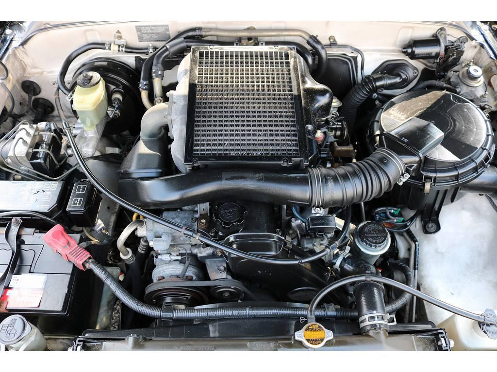 広々した天井!大きなキズやへたりも無く天張りもグッドコンディション!   トヨタ ハイラックスサーフ 3.0 SSR-X リミテッド ディーゼルターボ 4WD ディーゼルターボ リフトUP