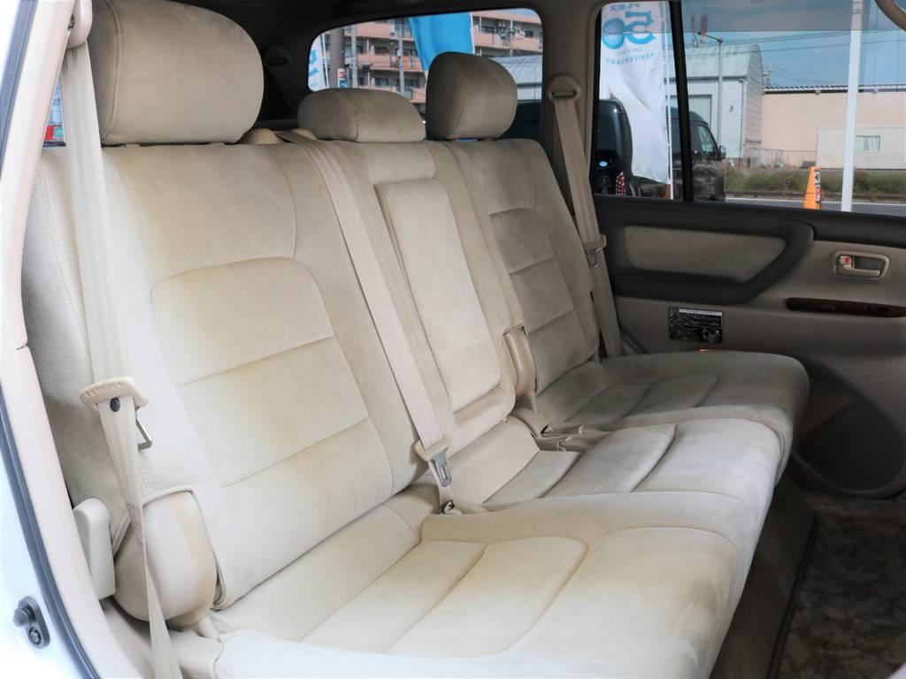 リアシートもキレイな状態で快適にお乗りいただけます! | トヨタ ランドクルーザー100 4.7 VXリミテッド Gセレクション 50thアニバーサリーエディション 4WD