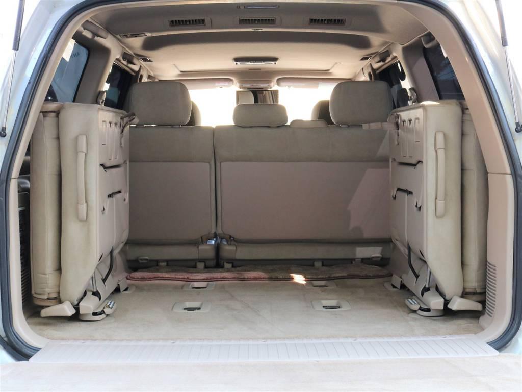 荷室も広々としており、たくさんの荷物を積むことが出来ます♪ | トヨタ ランドクルーザー100 4.7 VXリミテッド Gセレクション 50thアニバーサリーエディション 4WD