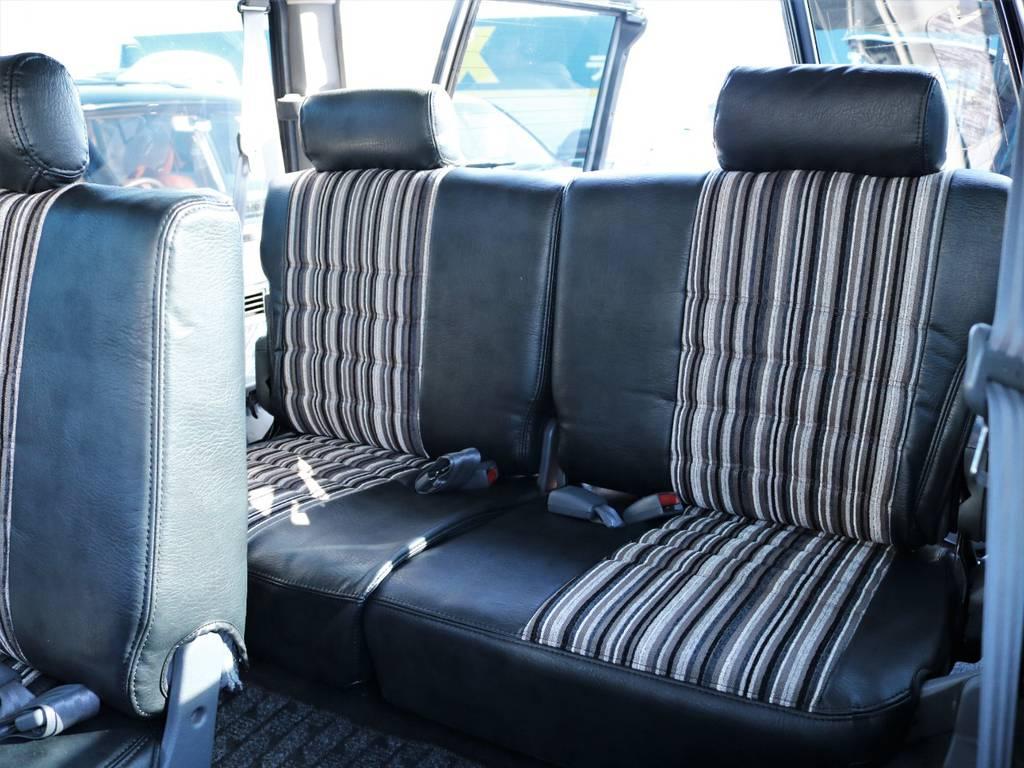 3列目のシートまでしっかりとシートカバーを装着致しました。 | トヨタ ランドクルーザープラド 3.0 SXワイド ディーゼルターボ 4WD