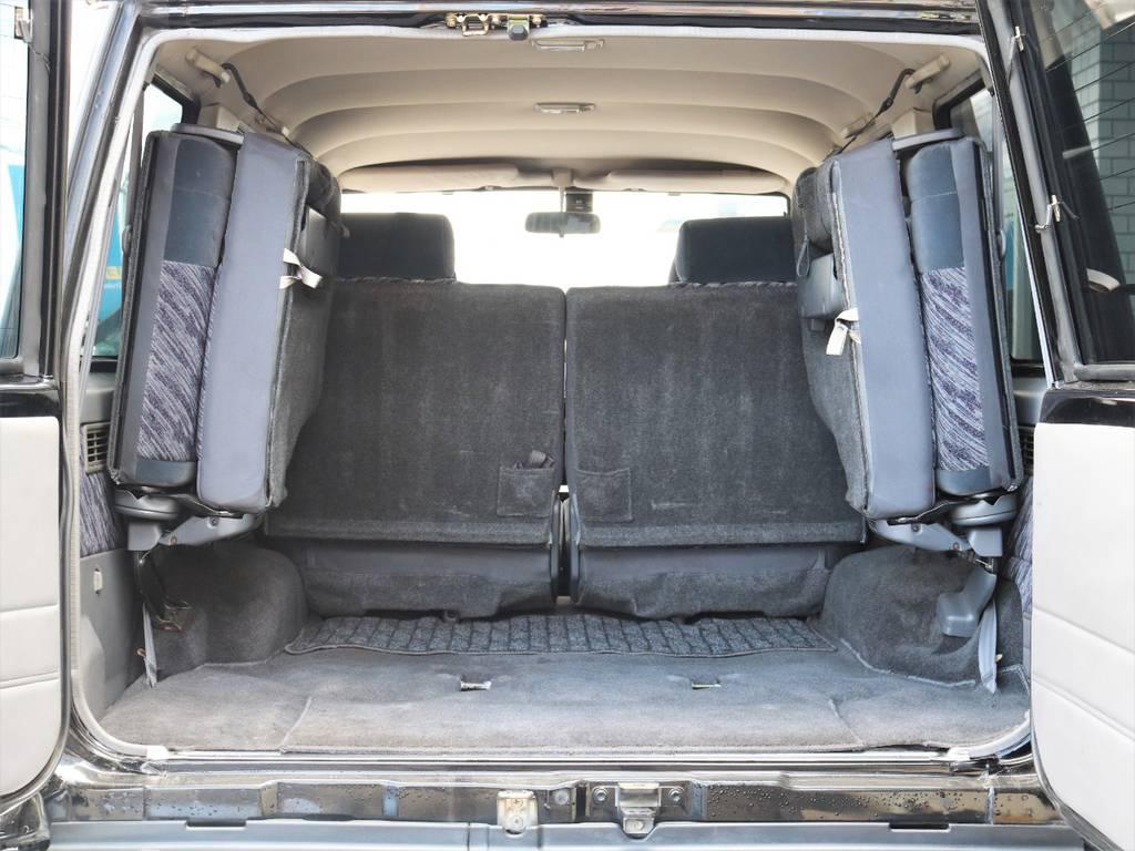 3列目のシートがございますのでもしもの時に大活躍ですね。 | トヨタ ランドクルーザープラド 3.0 SXワイド ディーゼルターボ 4WD