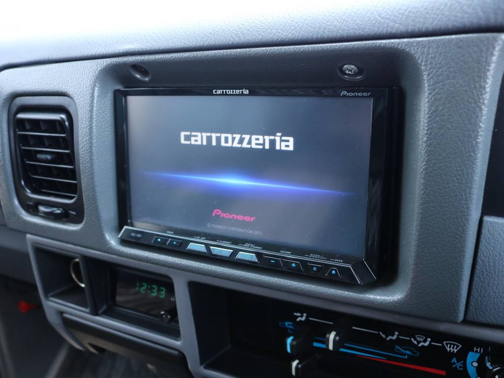 カロッツェリアサイバーナビも装着済み | トヨタ ランドクルーザープラド 3.0 SXワイド ディーゼルターボ 4WD