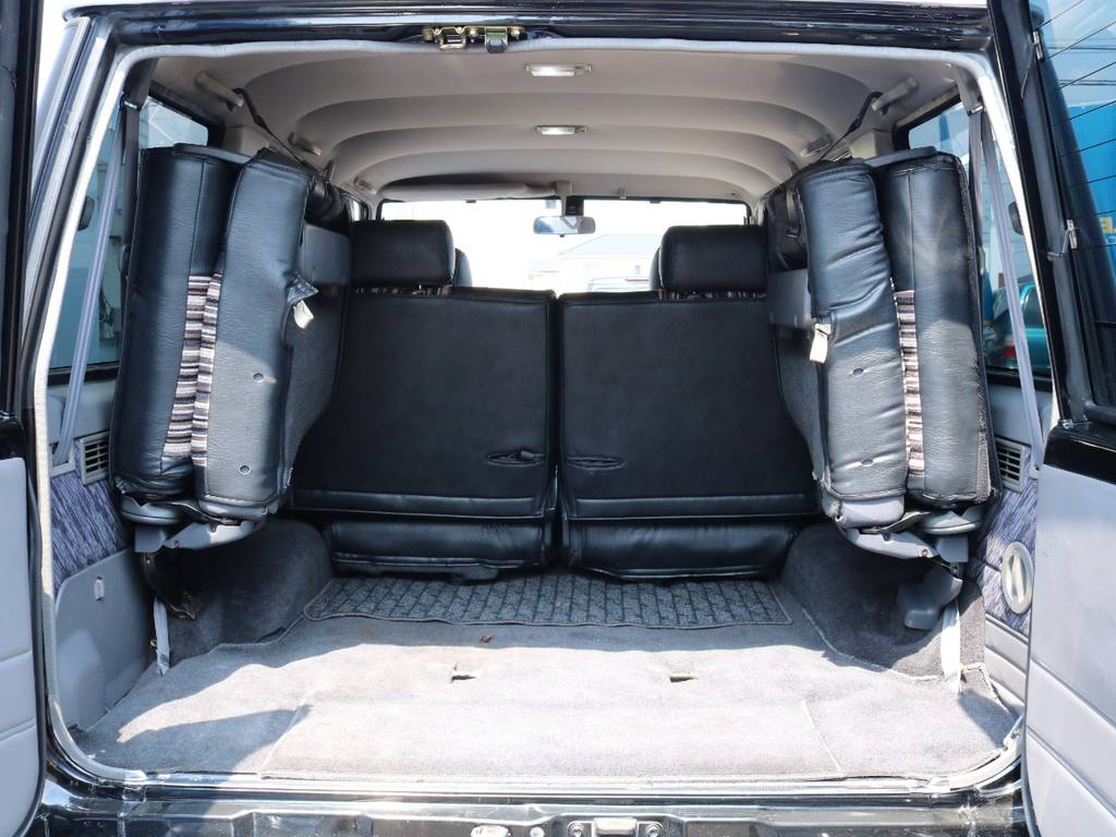 広々したラゲッジルーム!大容量でキャンプ用品なども沢山収容できます! | トヨタ ランドクルーザープラド 3.0 SXワイド ディーゼルターボ 4WD