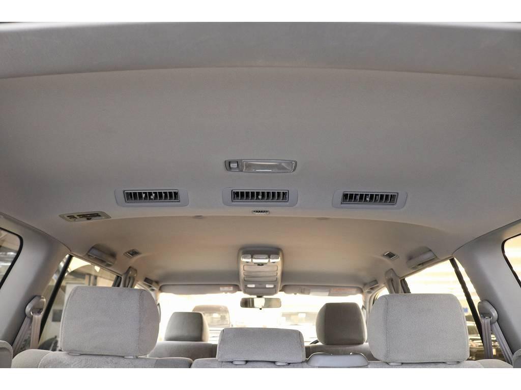 天張りになります☆目立つ汚れ等も無く綺麗な状態です♪ | トヨタ ランドクルーザー100 4.7 VXリミテッド 4WD