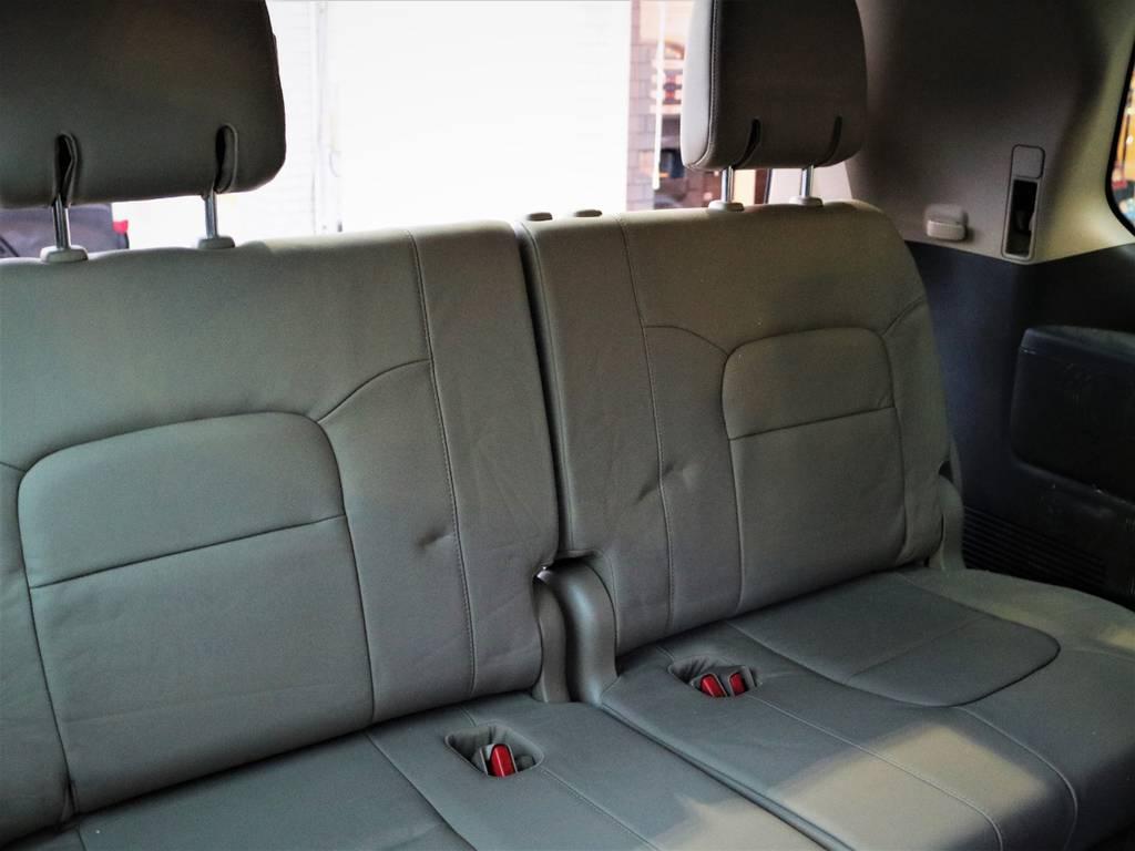 3列目のシートもございますので、もしもの時にお使いいただけますね♪ | トヨタ ランドクルーザー200 4.7 AX Gセレクション 4WD