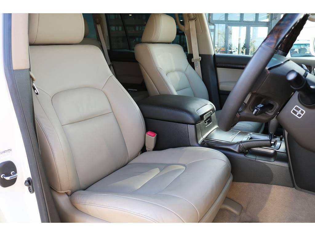 ベージュ内装になります! | トヨタ ランドクルーザー200 4.7 AX Gセレクション 4WD