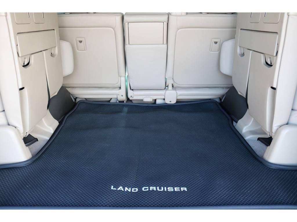 ラゲッジマット付きのカーゴスペース! | トヨタ ランドクルーザー200 4.7 AX Gセレクション 4WD