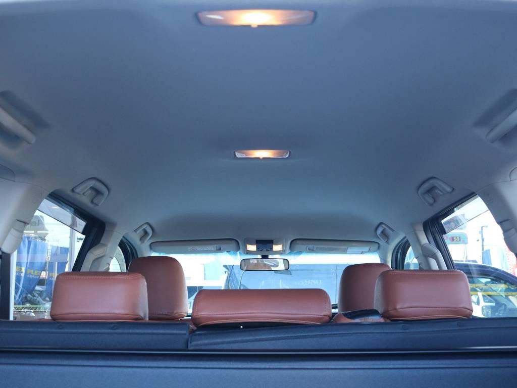 広々した天井!フリップダウンモニターの取り付け事例もございます。   トヨタ ランドクルーザープラド 2.7 TX 4WD