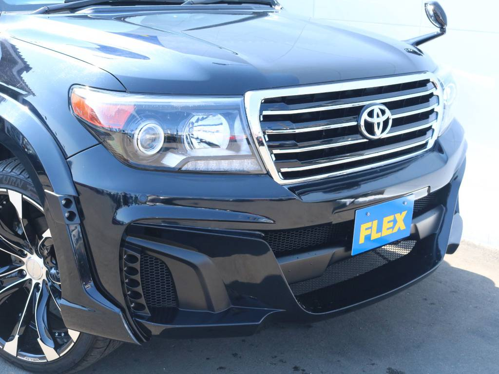 ブラックインナーヘッドライトで一体感もアップ!   トヨタ ランドクルーザー200 4.6 AX Gセレクション 4WD