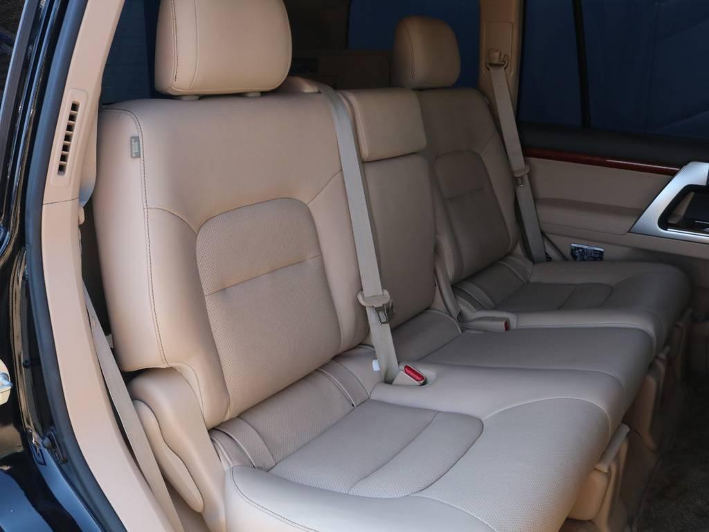 ウッドパネルが使用されたマルチファンクションステアリングです☆   トヨタ ランドクルーザー200 4.6 AX Gセレクション 4WD