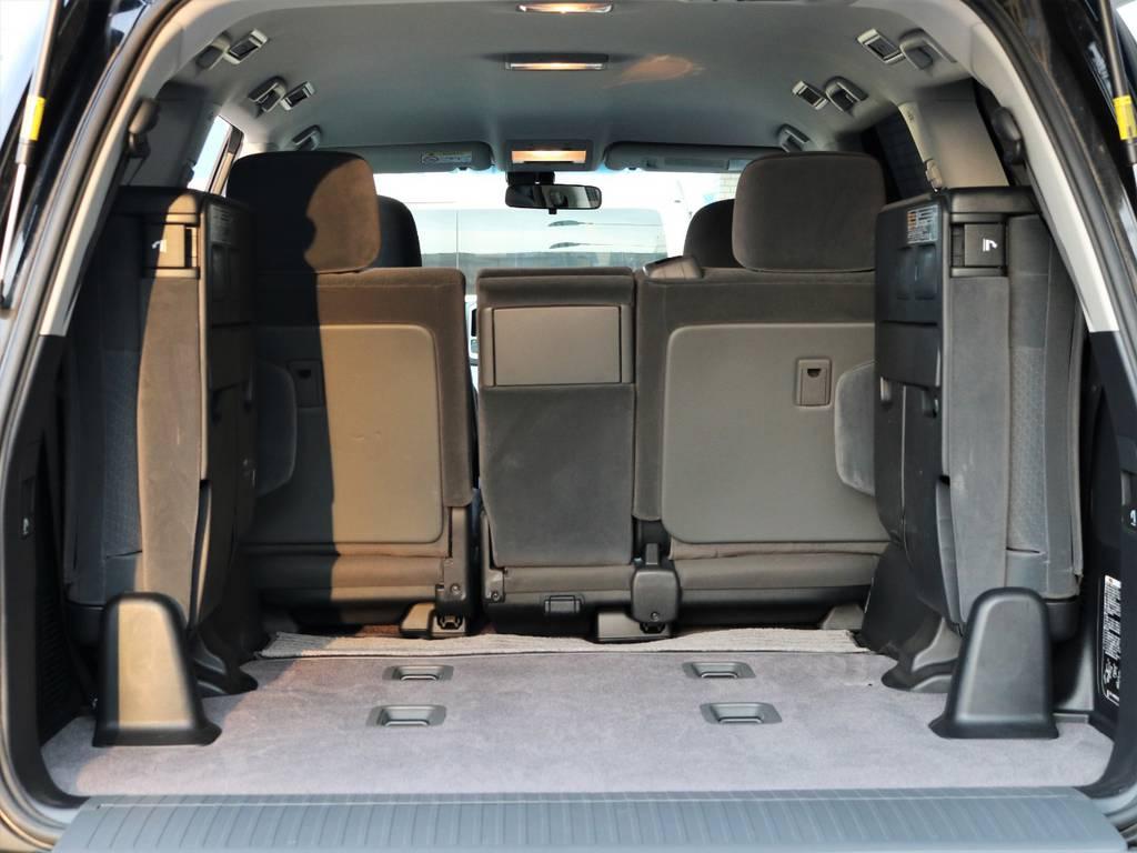荷室も広々としており沢山の荷物を乗せる事が出来ますので旅行やアウトドアにも最適です♪   トヨタ ランドクルーザー200 4.6 AX 4WD