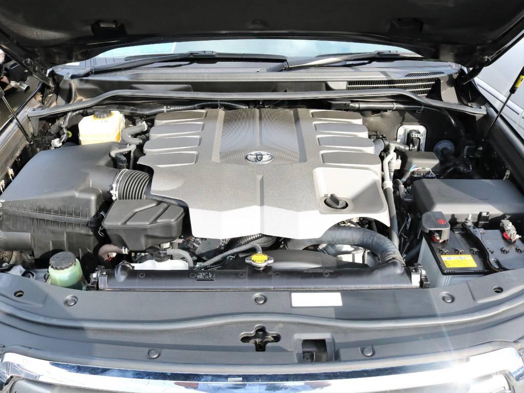 目立つ傷や凹みなどもなく大変綺麗な状態です♪   トヨタ ランドクルーザー200 4.6 AX 4WD