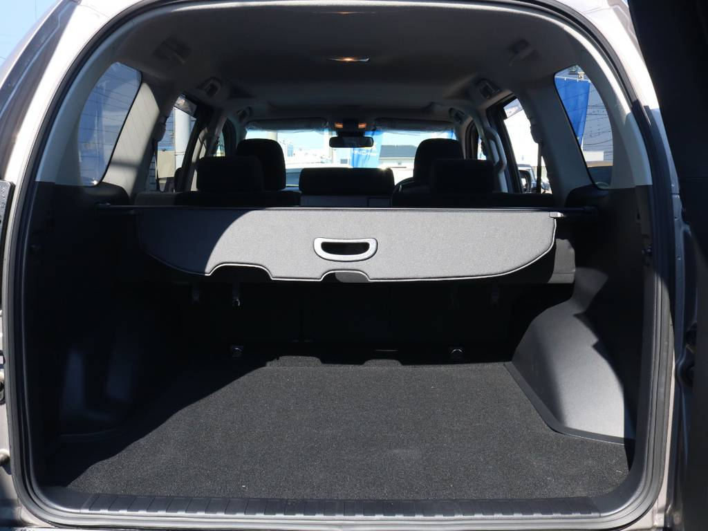 広々したラゲッジルーム!大容量でキャンプ用品なども沢山収容できます! | トヨタ ランドクルーザープラド 2.8 TX ディーゼルターボ 4WD