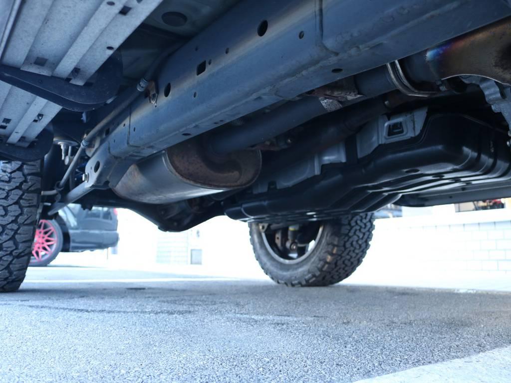 ご希望がございましたら下廻り防腐パスター仕上げもできます!お気軽にご相談ください! | トヨタ FJクルーザー 4.0 ブラックカラーパッケージ 4WD 2インチUP 20インチAW