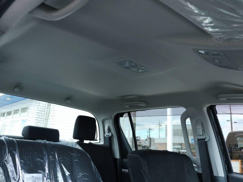 新車ですので天張りの状態ももちろんグッド! | トヨタ ハイラックス 2.4 Z ディーゼルターボ 4WD Z