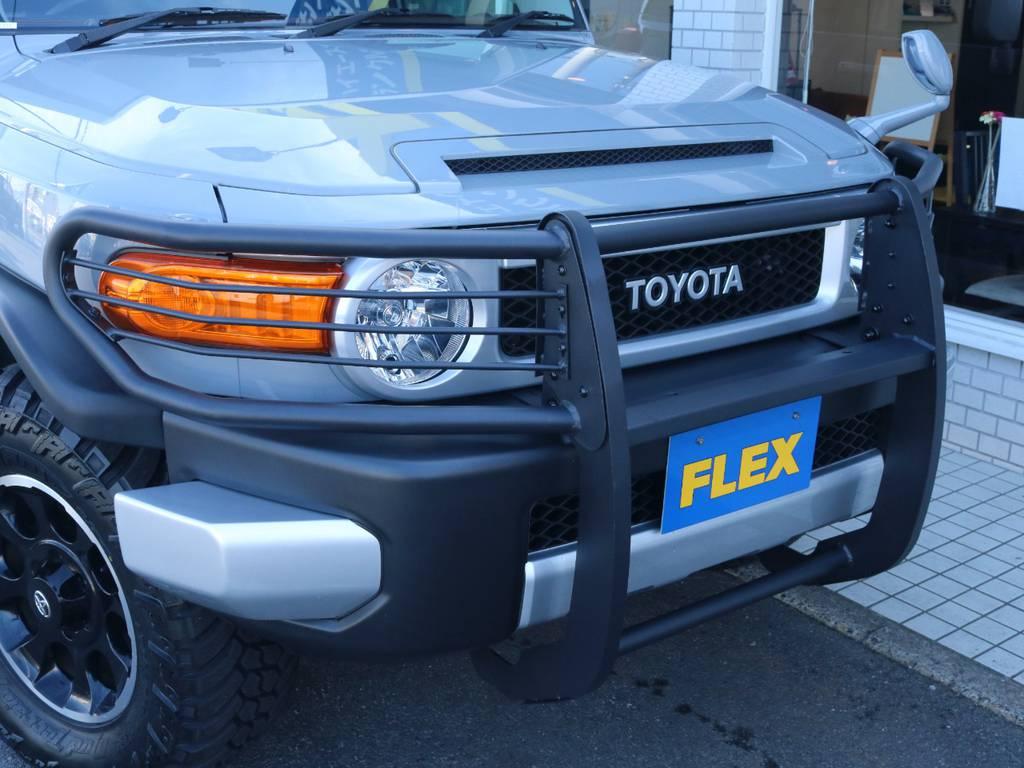 FJクルーザーに似合うグリルガード付き! | トヨタ FJクルーザー 4.0 オフロードパッケージ 4WD 4.0 オフロードパッケージ 4WD