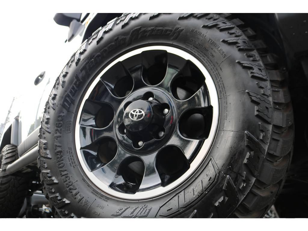 ブラックカラーPKG標準装備の17インチAWにAMP285MTタイヤを新品でインストール!