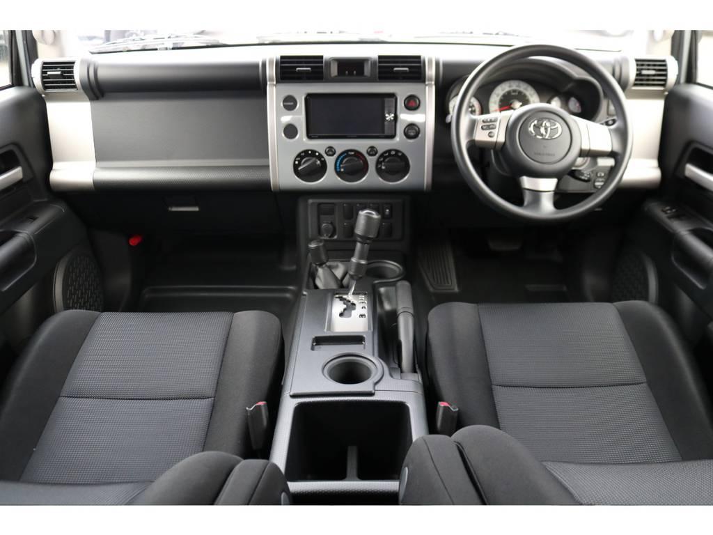 オフロードパッケージの車内!高速走行に便利なクルーズコントロールも装着されております!