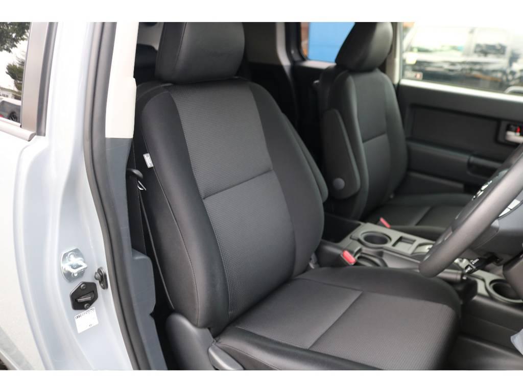 運転席ご覧の通り綺麗な状態です!撥水仕様のファブリックシートで掃除も楽チン!