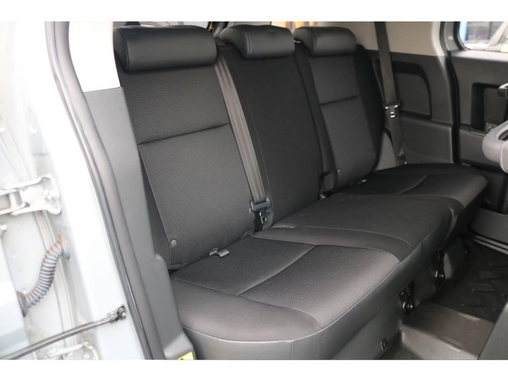 後部座席もご覧の通り綺麗な状態を維持しております!