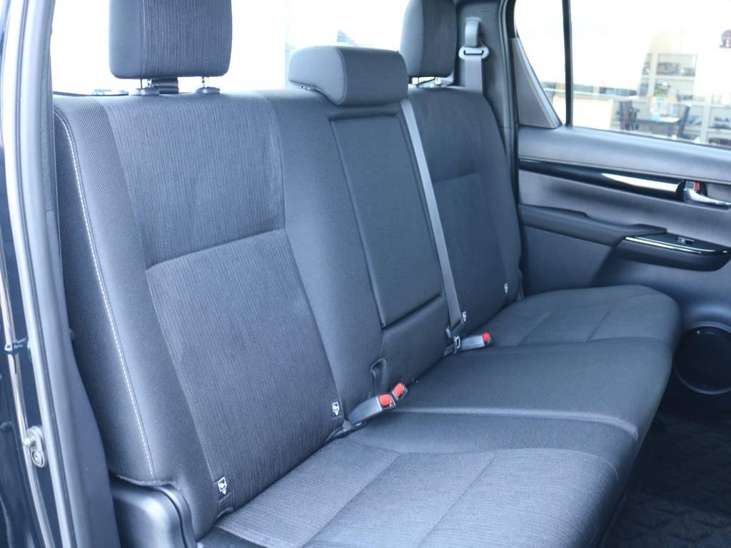 広々したセカンドシート!チャイルドシートも装着可能です! | トヨタ ハイラックス 2.4 Z ブラック ラリー エディション ディーゼルターボ 4WD Z Black Rally Edit