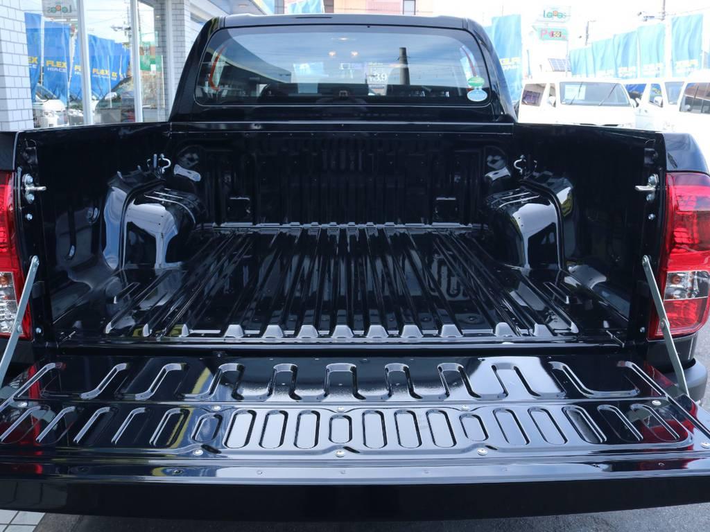 使い勝手自由なベットライナー!遊び心満載! | トヨタ ハイラックス 2.4 Z ブラック ラリー エディション ディーゼルターボ 4WD Z Black Rally Edit