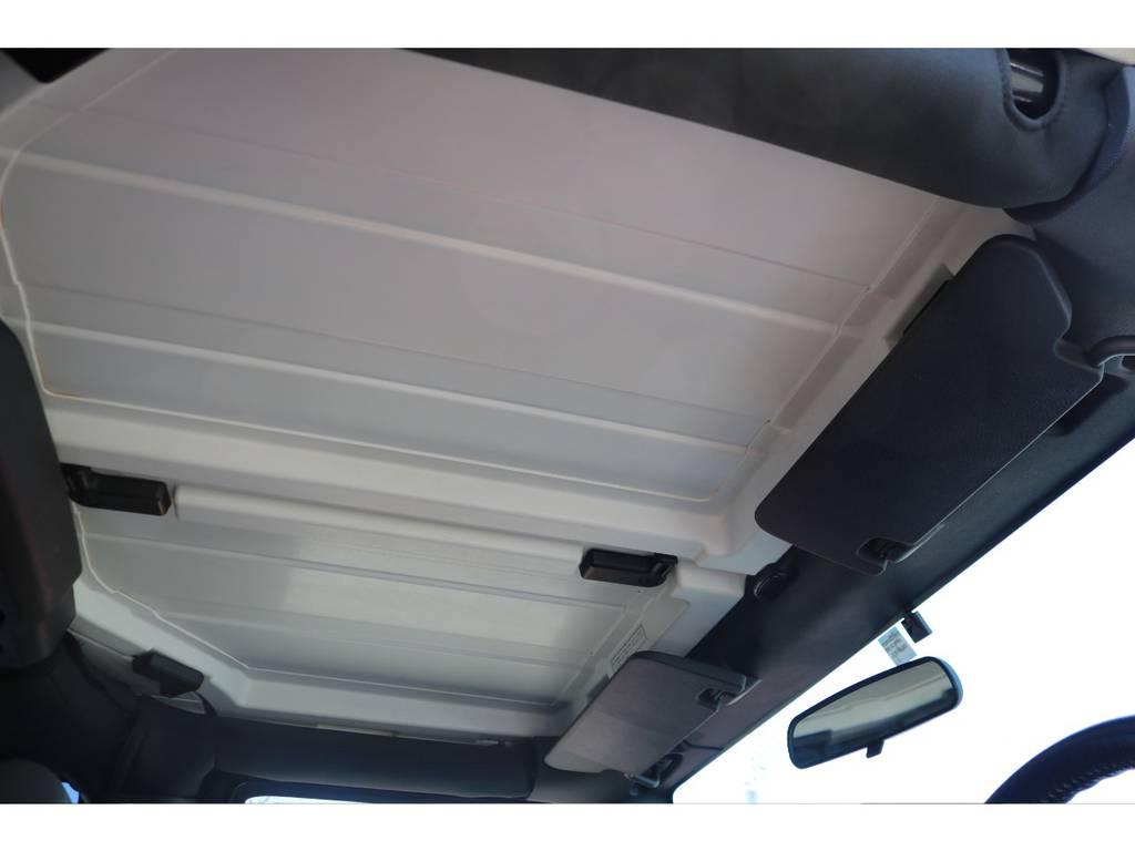 ハードトップの天井は手動で着脱可能でオープンカー気分を味わえます! | ジープ ラングラー アンリミテッド スポーツ 4WD アンリミテッド スポーツ 4WD