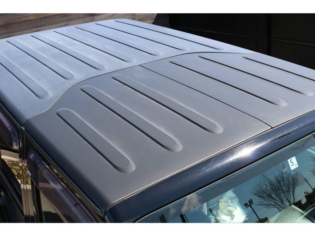 ハードトップの天井はご覧の通り綺麗な状態です!さらには着脱可能なのもジープの魅力の一つです! | ジープ ラングラー アンリミテッド スポーツ 4WD アンリミテッド スポーツ 4WD